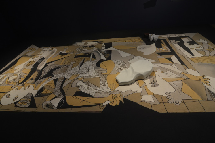 The first phase of 'Guernica in Sand' at Museum MACAN