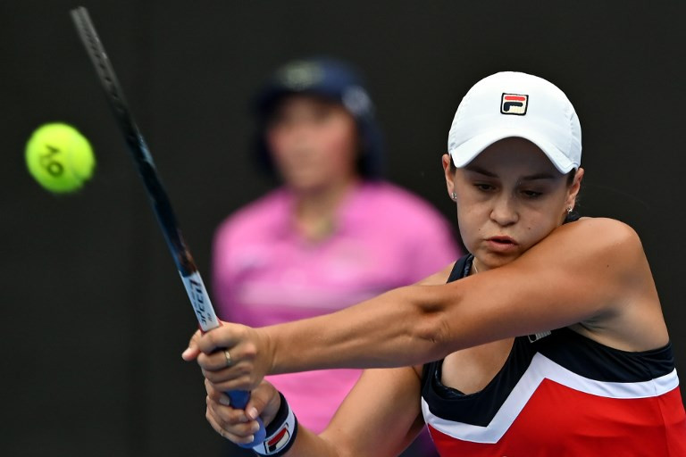 Red-hot Barty storms into Sydney final
