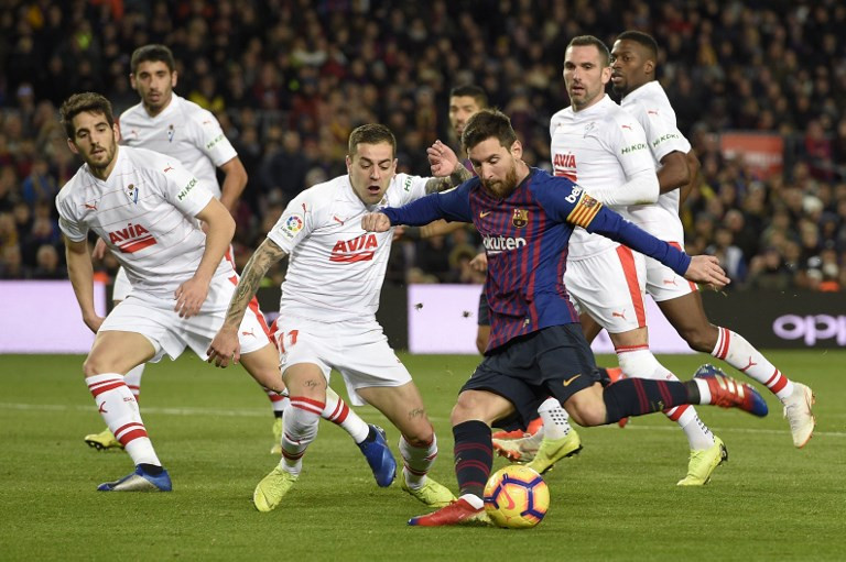 'Monstrous' Messi scores 400th La Liga goal, sends Barca five points clear
