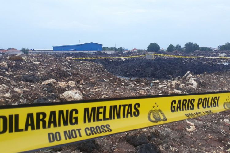 Bomb squad deployed to Bekasi where children playing in field suffered burns