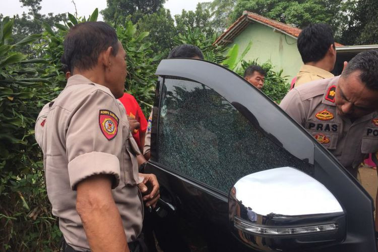 Unidentified people shoot Quran teacher's car