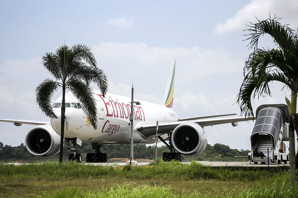authorities give clearance for ethiopian airlines plane to leave rh thejakartapost com