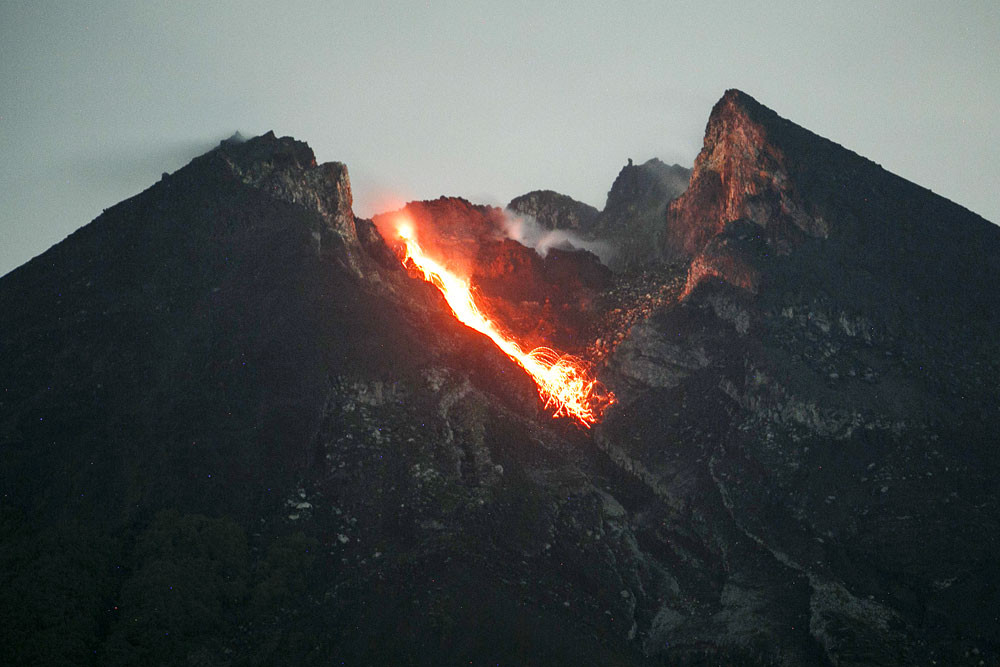 C Java Prepares For Worst As Mt Merapi Eruptions Increase