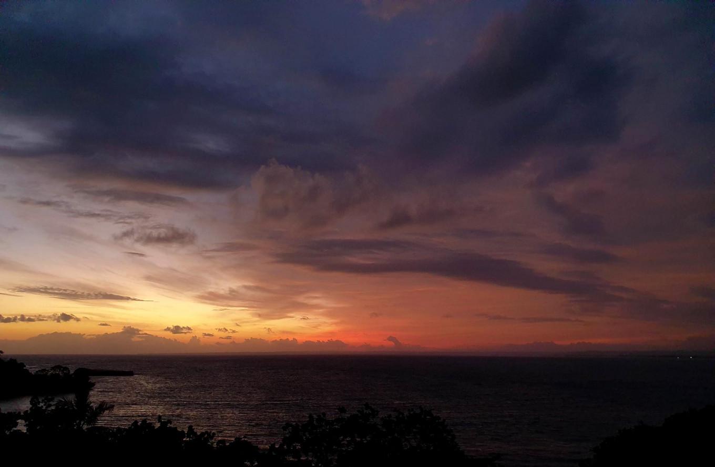 Matahari terbenam di Pangandaran | Foto: Arya Dipa / Jakarta Post