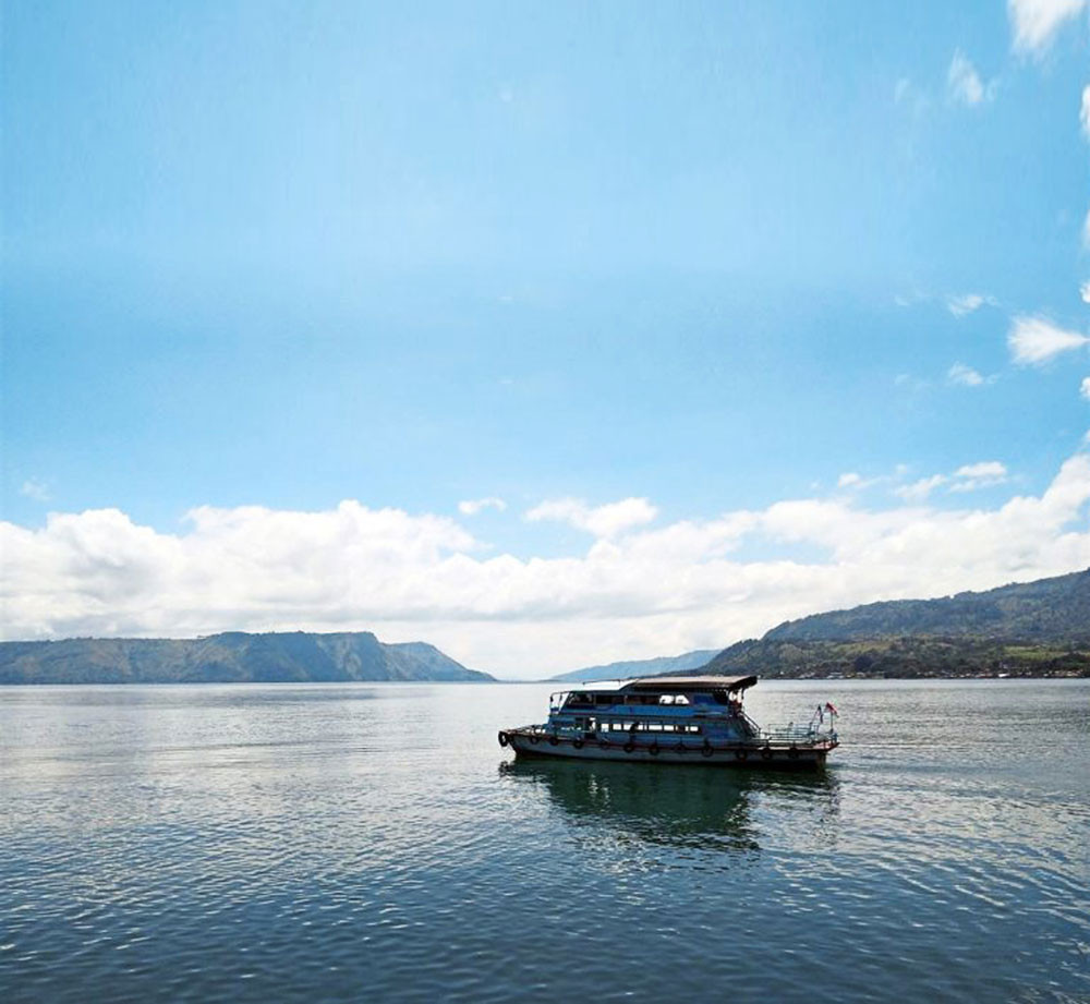 Fish breeding firm under fire for polluting Lake Toba