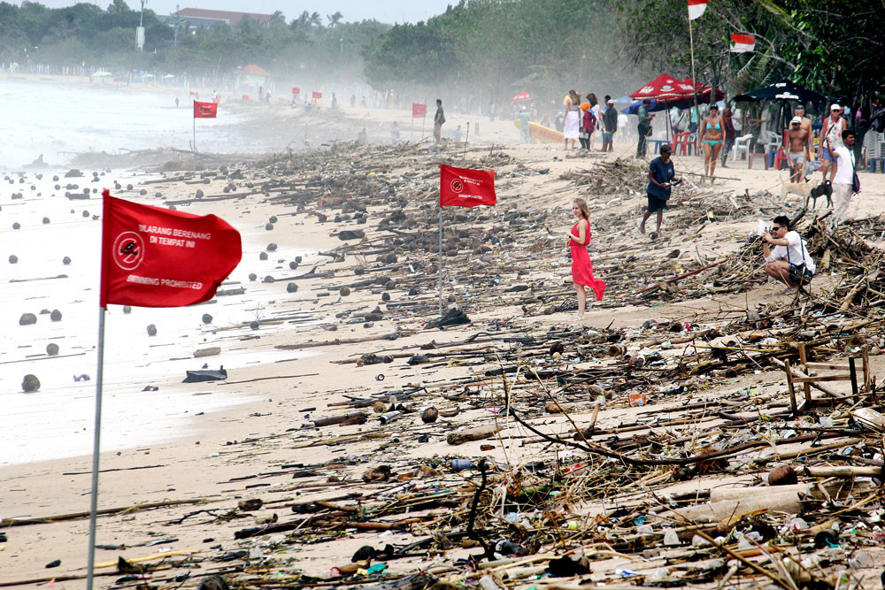 18 tons of trash collected in three-day coastal cleanup at Kuta beach