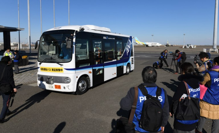 Tokyo airport tests driverless bus to shuttle visitors