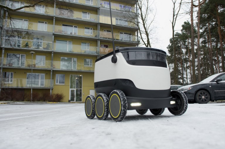 Starship officially releases 25 autonomous delivery robots into the wild