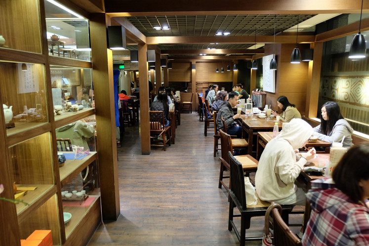 Social tea house: Chun Shui Tang tea house at Shin Kong Mitsukoshi department store in Taipei's upscale Xinyi district.