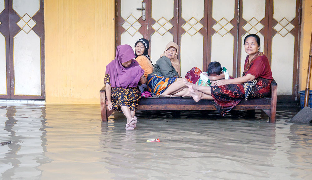 Dozens killed as bad weather continues to loom across Indonesia