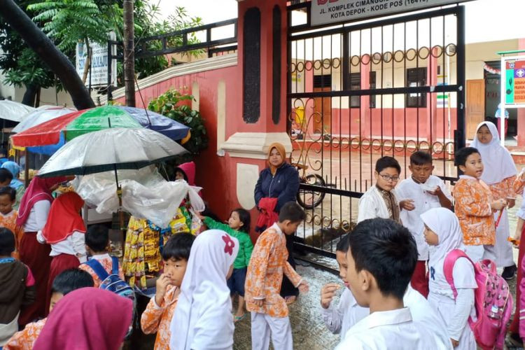 Depok checks street food stalls after hepatitis A infects 33 students