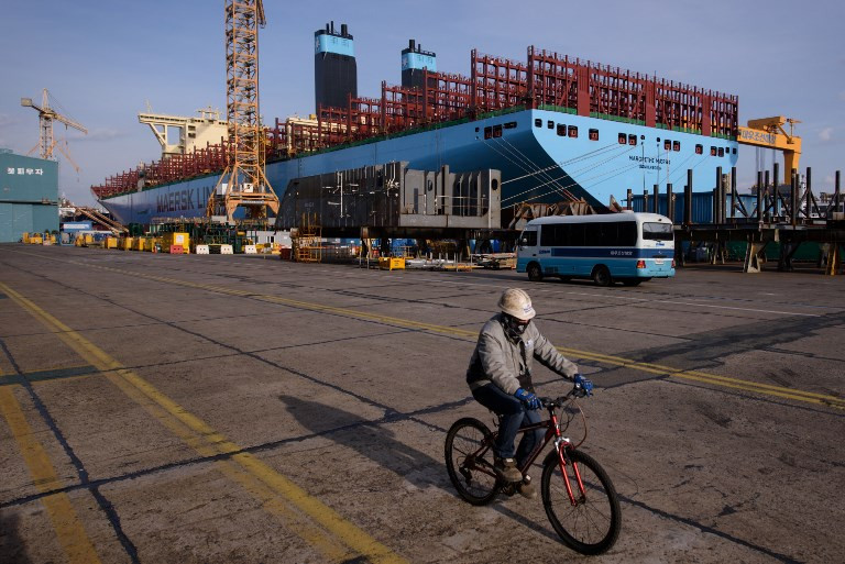 World's top two shipbuilders in deal to merge: Seoul