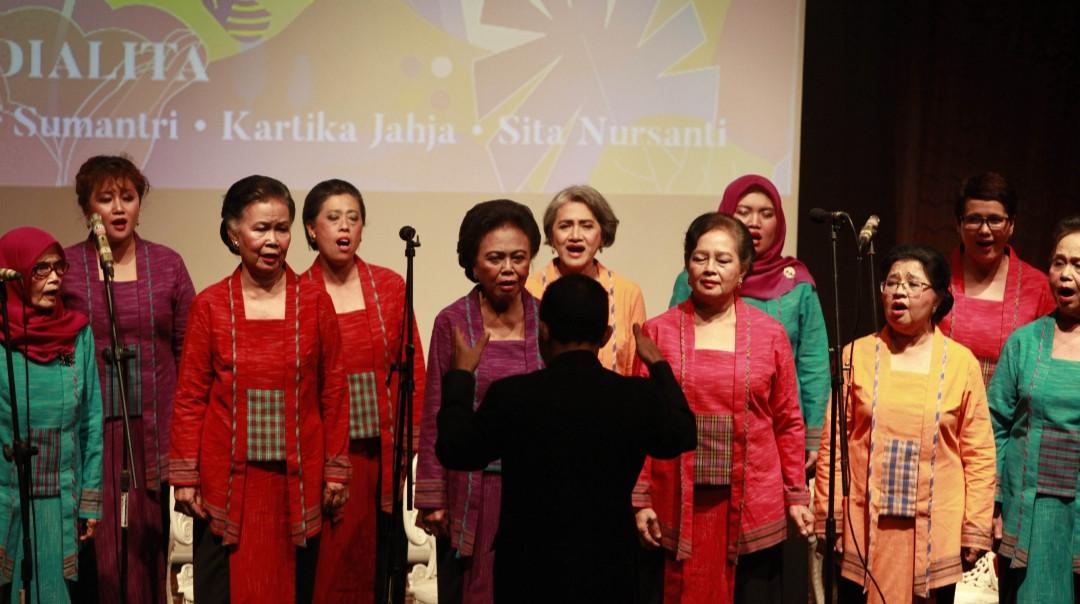 Dialita choir's new album celebrates hope