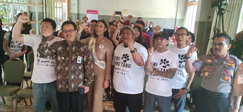 Musicians, beauty queen campaign to stop dog meat consumption