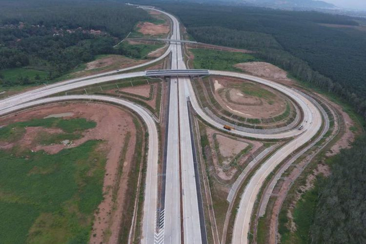 Hutama Karya to finish two sections of trans-Sumatra toll road this year