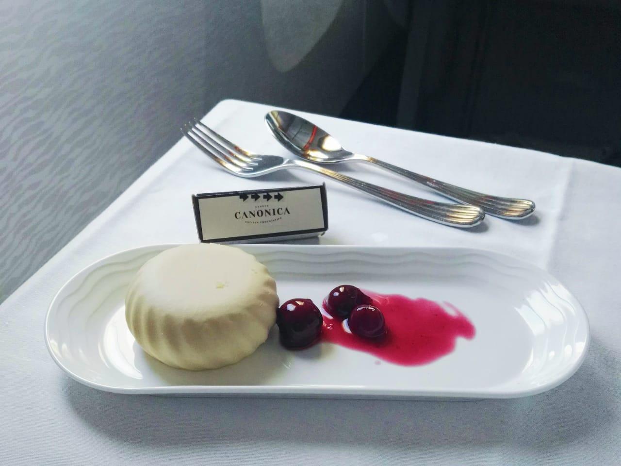 Dessert aboard EK451 Auckland-Denpasar