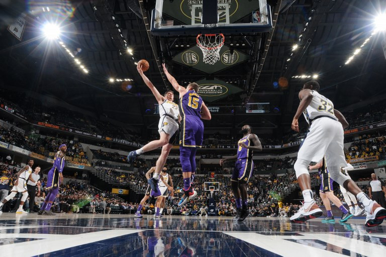 Pacers thump Lakers 136-94, Clippers rally