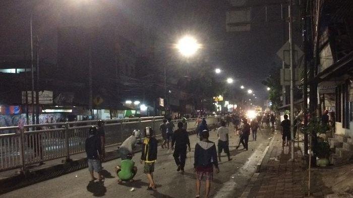 newest 63566 815a5 Teenagers brawl in Petamburan during  sahur