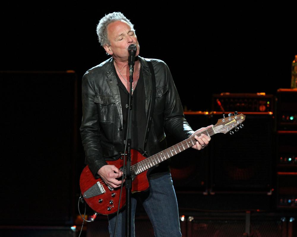 Ex-Fleetwood Mac guitarist Lindsey Buckingham has heart surgery