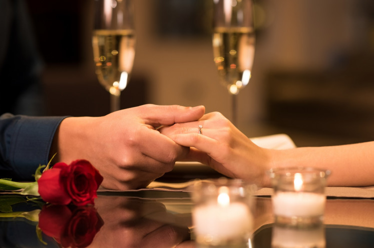 A special package for a Valentine's Day celebration at Raffles Hotel Jakarta includes a limited-edition diamond ring from Frank & Co.