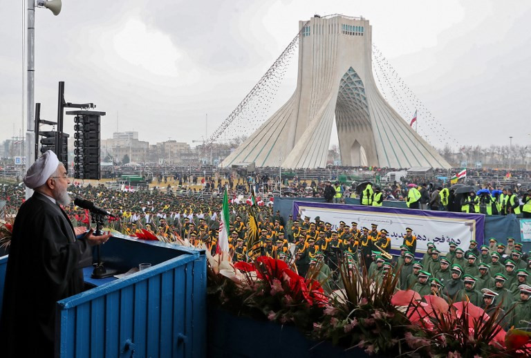 Massive crowds mark 40th anniversary of Iran revolution