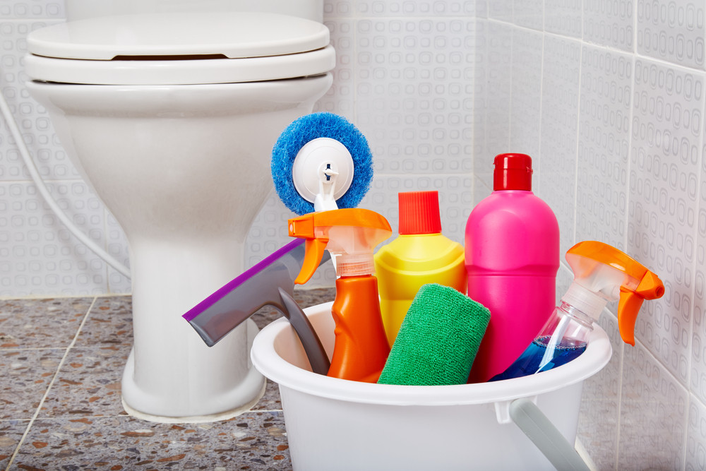 Common mistakes to avoid when cleaning your bathroom