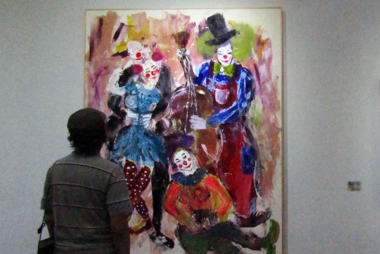 Cancer survivor paints for pain relief