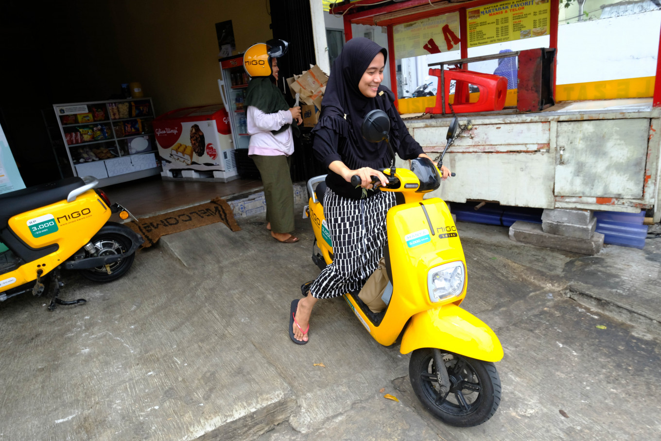 Consumers' concerns hamper electric vehicle adoption in Indonesia: Experts