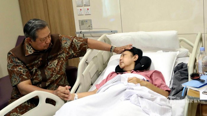 SBY to leave campaign, focus on wife's treatment