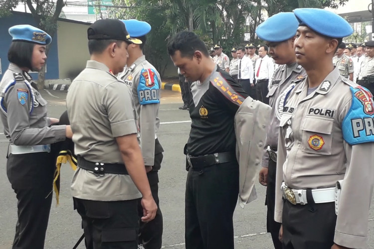 North Jakarta Police fire six officers for drug abuse