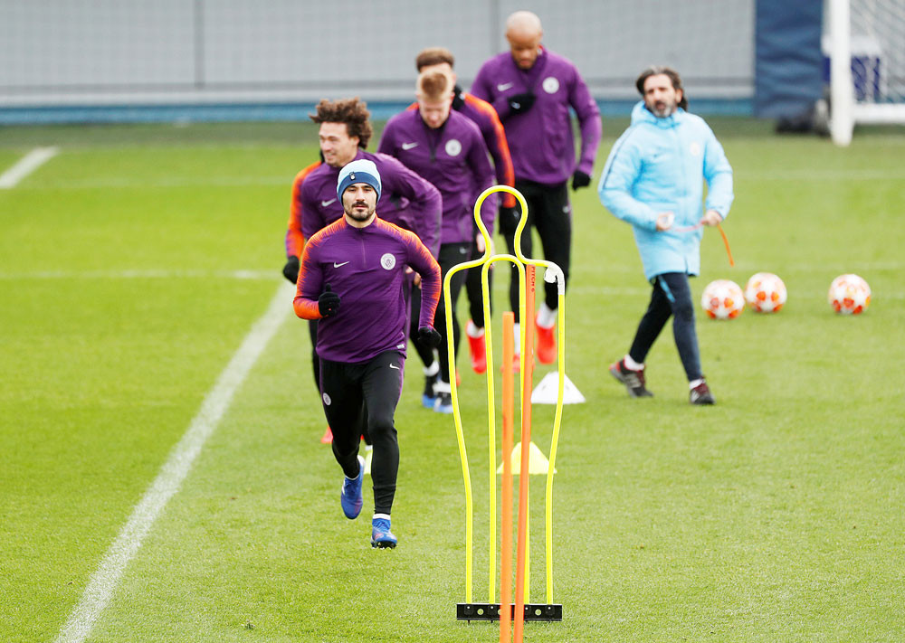Manchester City's Gundogan tests positive for coronavirus