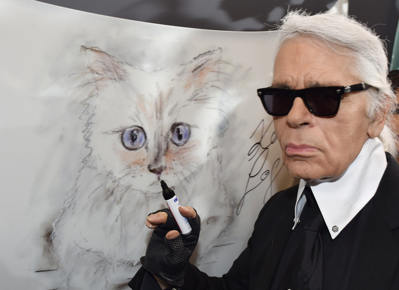 HarperCollins to publish 'an unconventional biography' of Karl Lagerfeld
