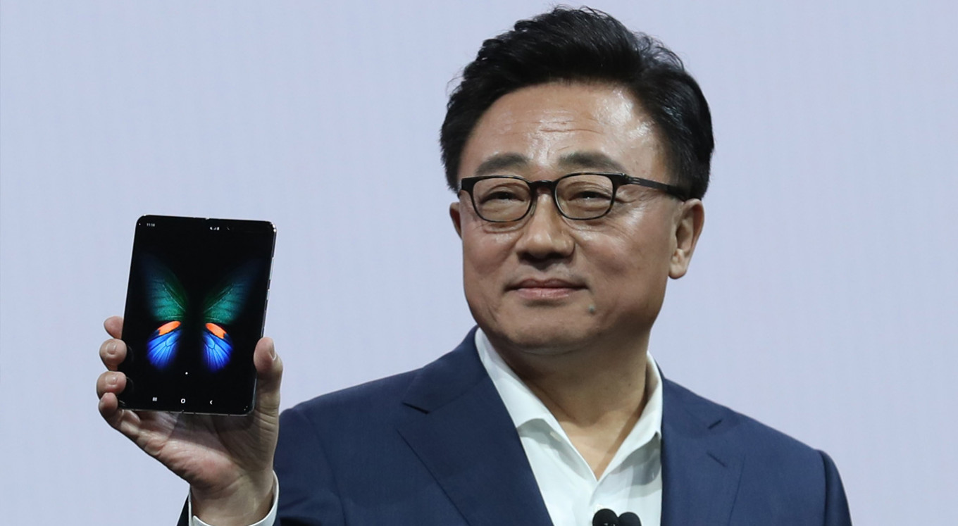Samsung launches folding smartphone, first 5G handset