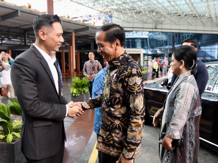 Jokowi, Iriana visit former first lady Ani Yudhoyono in Singapore