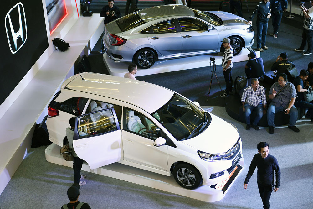Public Auto Sales >> Car Sales Down 13 Percent In Q1 Of 2019 Business The Jakarta Post