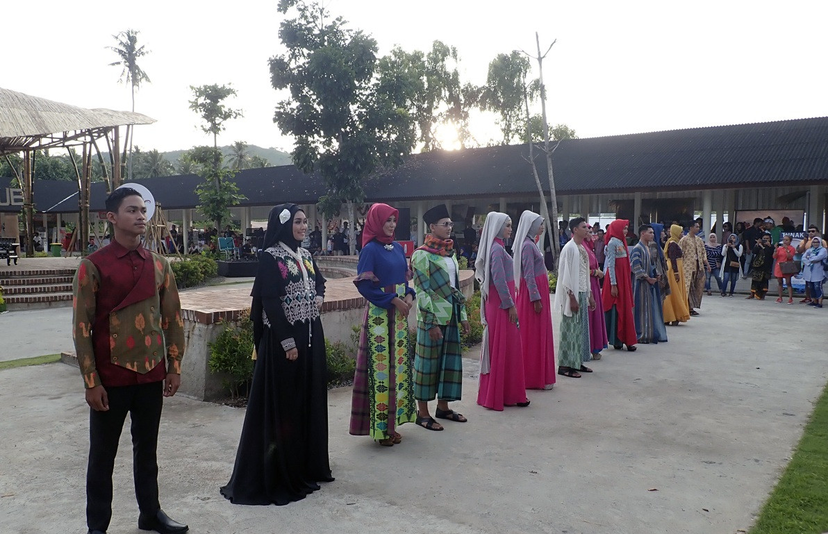 Lombok hosts modest fashion show as it sets eyes on Muslim travelers
