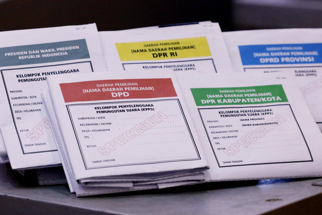 Samples of five-colored ballot papers are being displayed at the KPU office. JP/Dhoni Setiawan