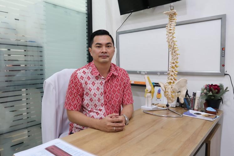 Dr Budi Sugiarto Widjaja studied the Schroth Method in Germany.