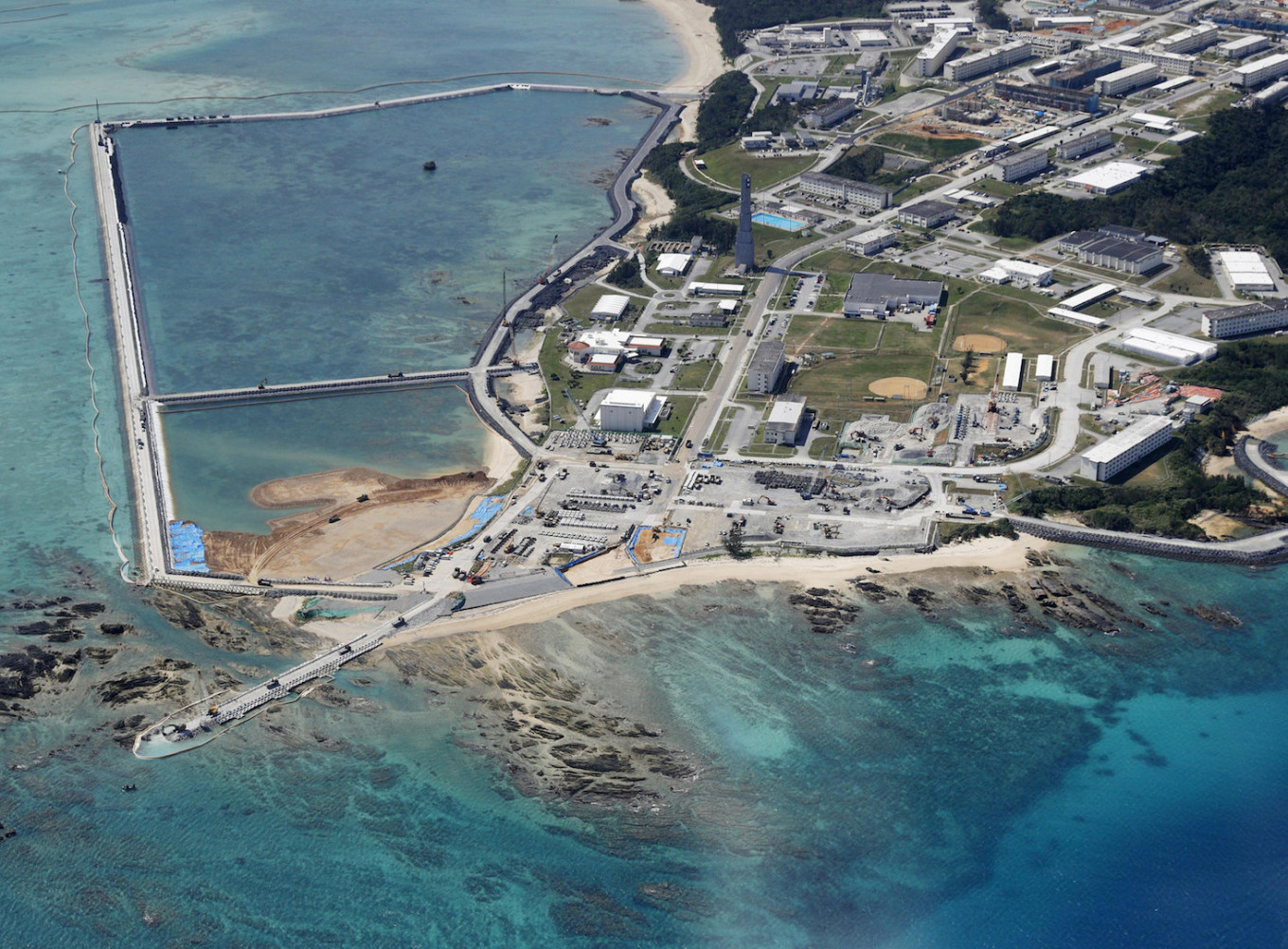 Japan to buy $146 million island for US military drills