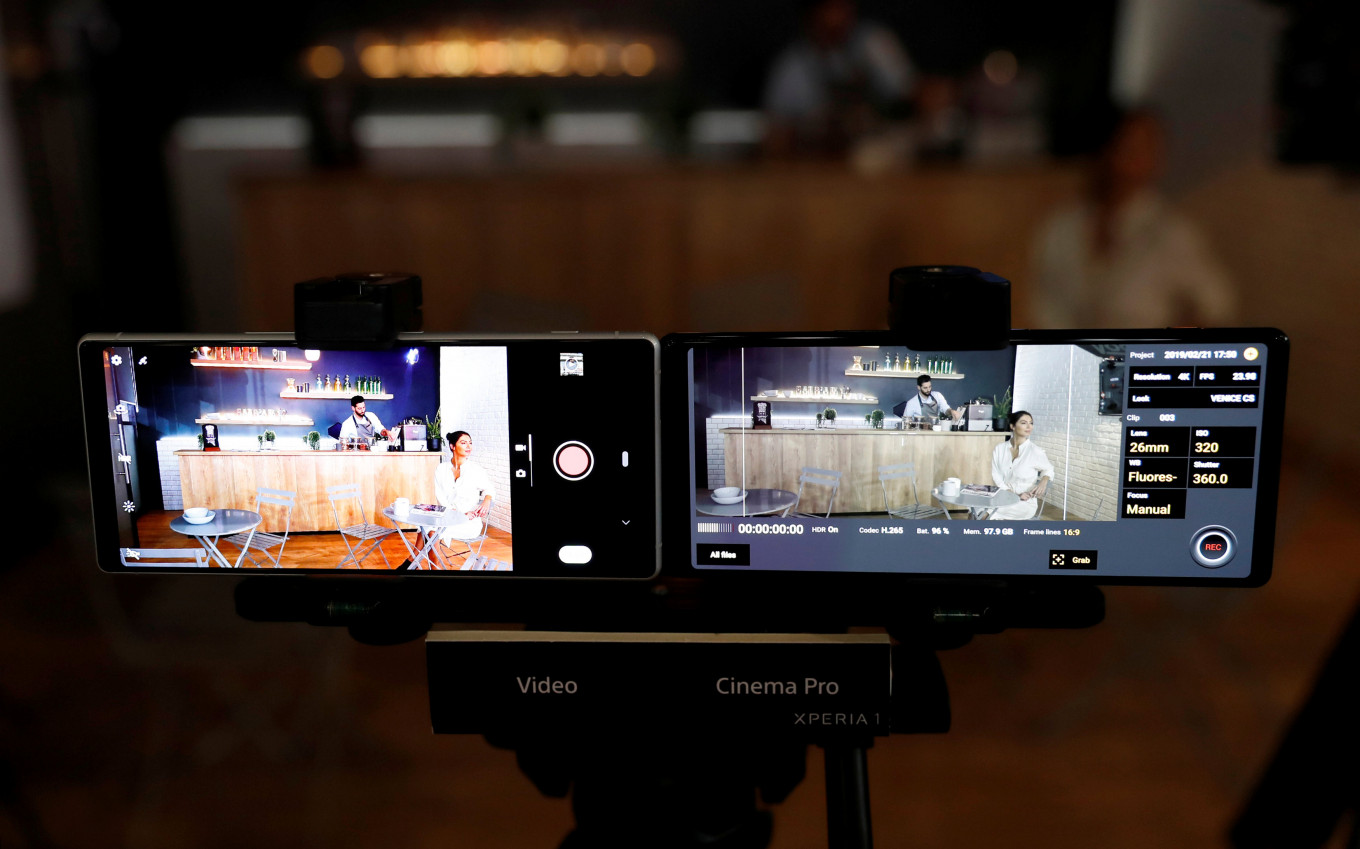 Sony revitalizes smartphone franchise with movie-style screens