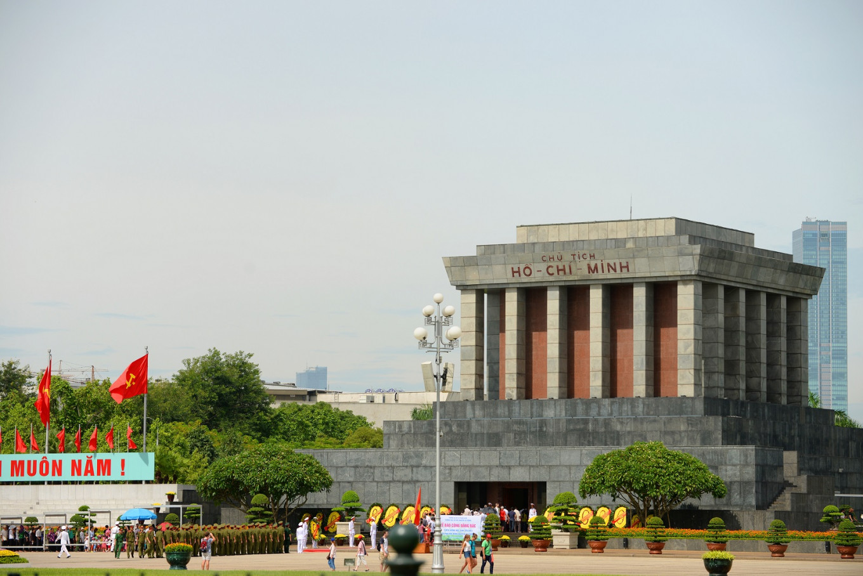 Hanoi tours offer visitors taste of summit action