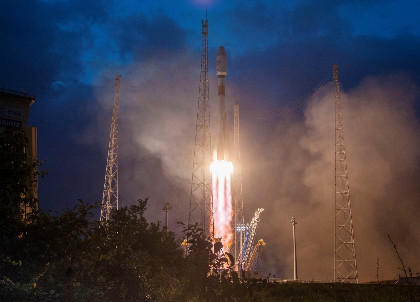 New space race to bring satellite internet to the world