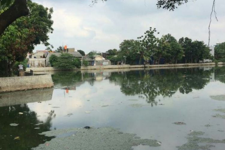 Depok firms risk losing permits over water pollution