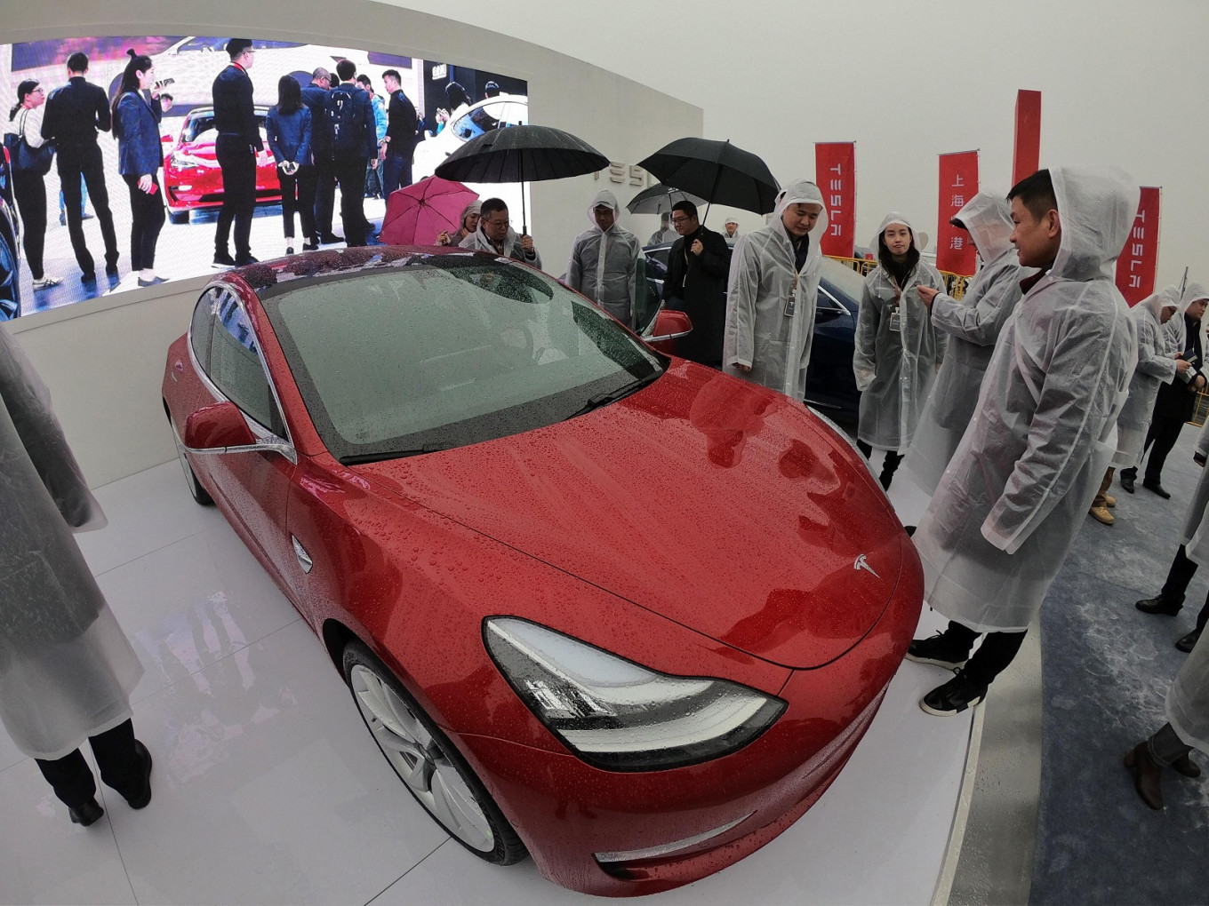 Tesla's 'mass market' $35k electric car ready to order, online
