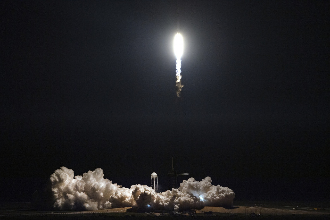 NASA sets launch date for SpaceX US manned mission to space station