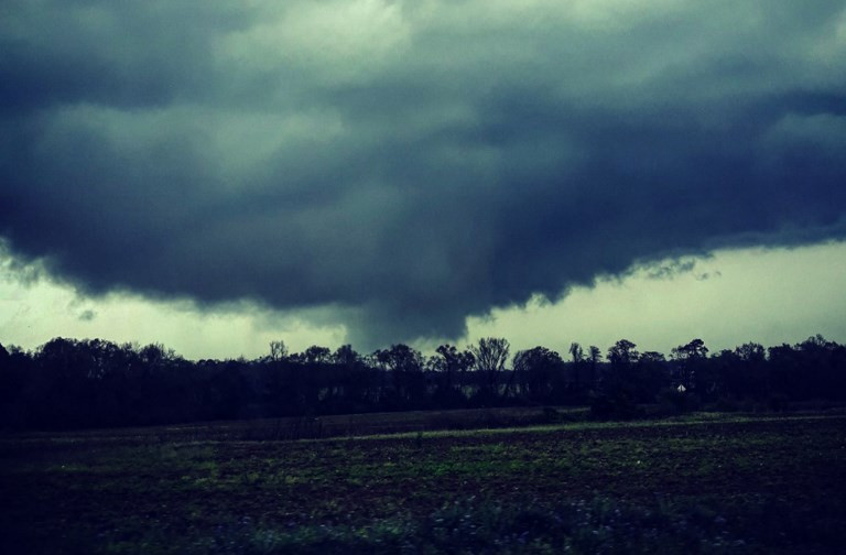 Dead in Tornado Outbreak in Southern US, Storms Heading North