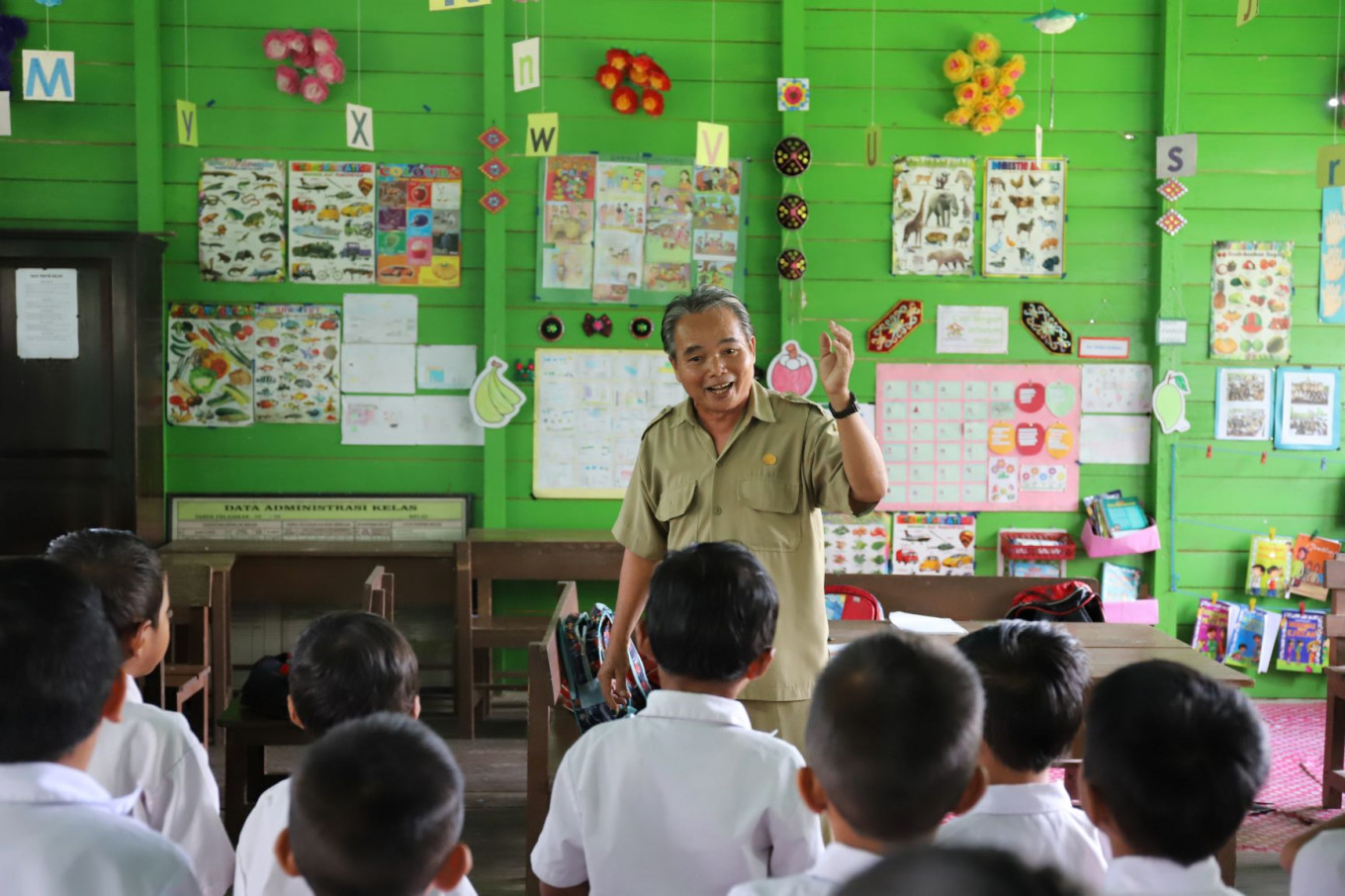 Jungle school: Making a change in classrooms