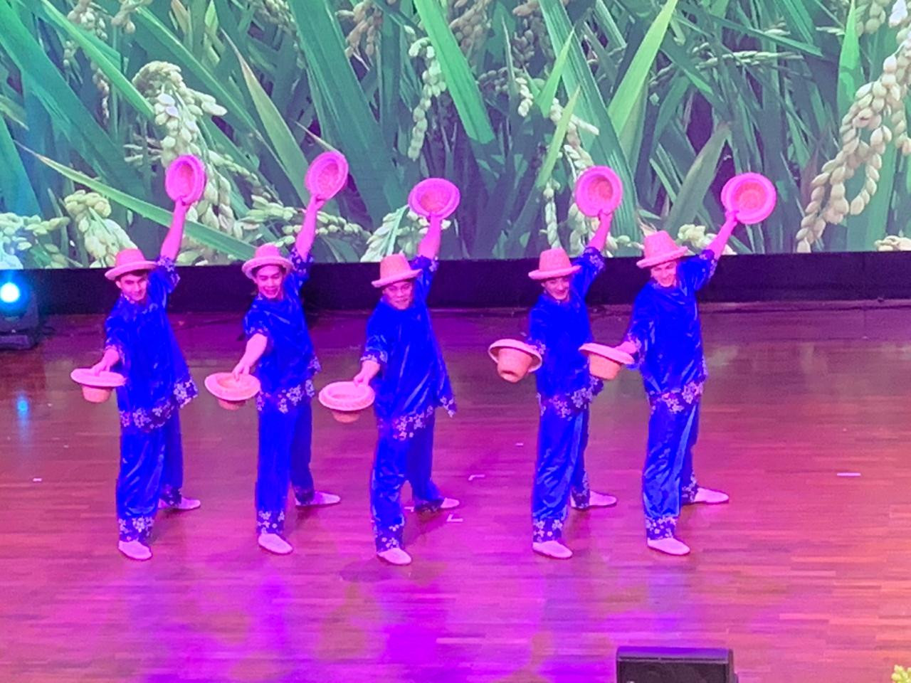 Taiwanese acrobatic troupe performs in Jakarta