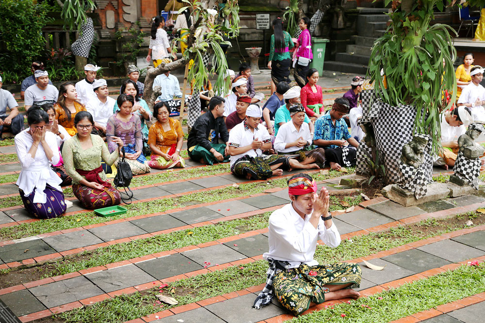 Plan to construct Hindu temple in Bekasi met with protest