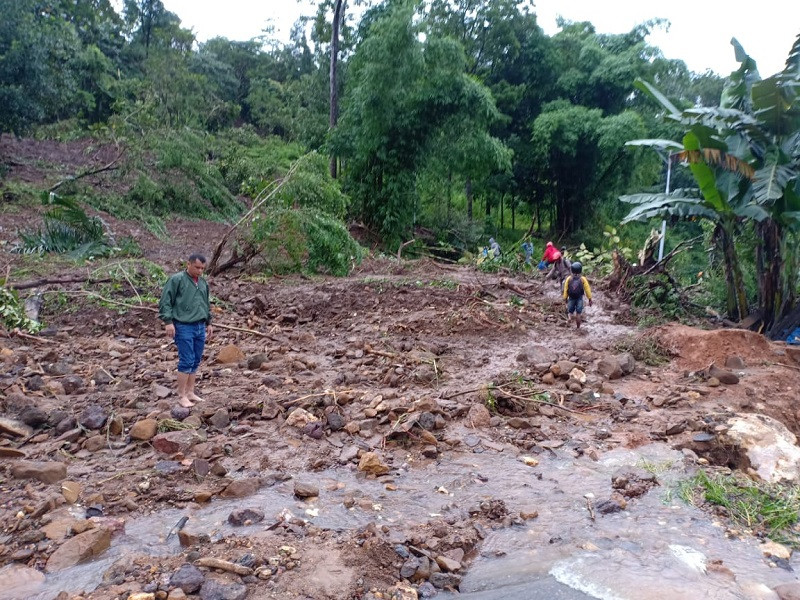 Landslides kill two people, disrupt road access on Flores Island